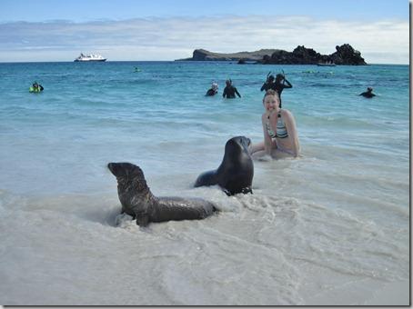 2012-12-17 Galapagos Day 1 morning water camera 125