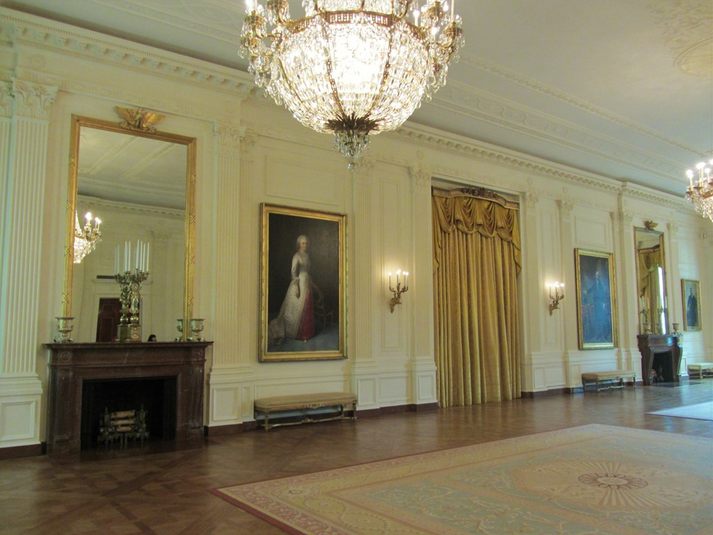White house tour for How much rooms does the white house have